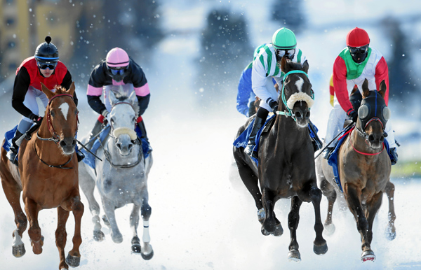 Das Wetter spielt noch nicht mit, so mußten die White Turf-Rennen am letzten Sonntag abgesagt werden.Foto: swiss-image.ch-Andy Mettler