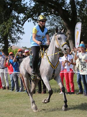 Sabrina Arnold riding Tsagan Nour-2-600px